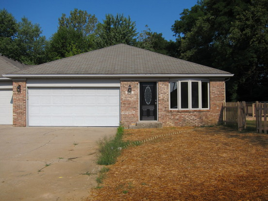 3 Bedrooms 2 Bathrooms House for rent at 2142 De Bello Court in Indianapolis, IN