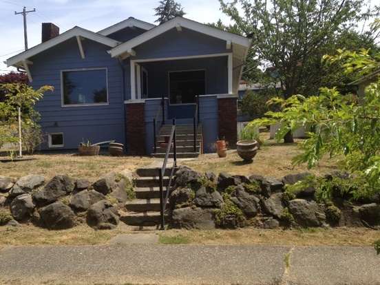 3 Bedrooms 2 Bathrooms House for rent at 6502 40th Ave Sw in Seattle, WA