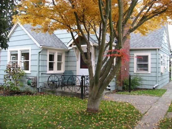 2 Bedrooms 1 Bathroom House for rent at 3240 48th Ave Sw in Seattle, WA