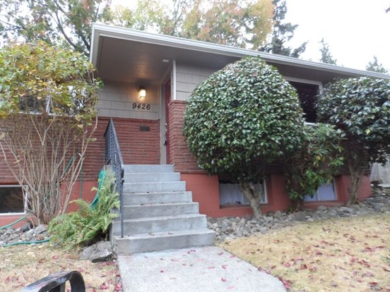 3 Bedrooms 1 Bathroom House for rent at 9426 14th Ave Sw in Seattle, WA