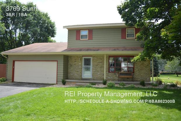 3 Bedrooms 1 Bathroom House for rent at 3769 Sunhill Dr in Madison, WI