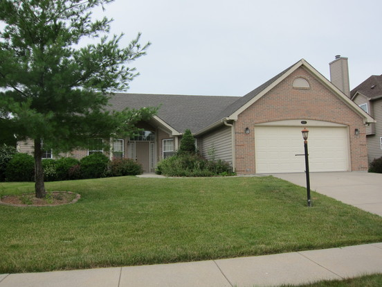 4 Bedrooms 3 Bathrooms House for rent at 8129 Clubside Way in Indianapolis, IN