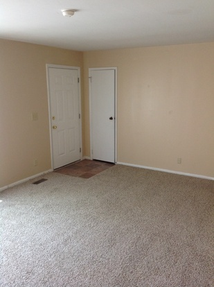 3 Bedrooms 1 Bathroom House for rent at 3940 Catalina Court in Indianapolis, IN