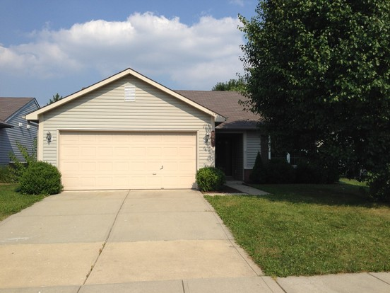 3 Bedrooms 2 Bathrooms House for rent at 5851 Prairie Meadow Drive in Indianapolis, IN