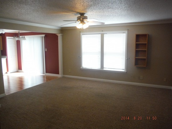 3 Bedrooms 2 Bathrooms House for rent at 3439 Brandenburg Boulevard in Indianapolis, IN