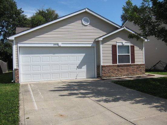 3 Bedrooms 2 Bathrooms House for rent at 2005 Dutch Elm Drive in Indianapolis, IN