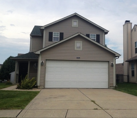 3 Bedrooms 2 Bathrooms House for rent at 10940 Cedar Pine Drive in Indianapolis, IN