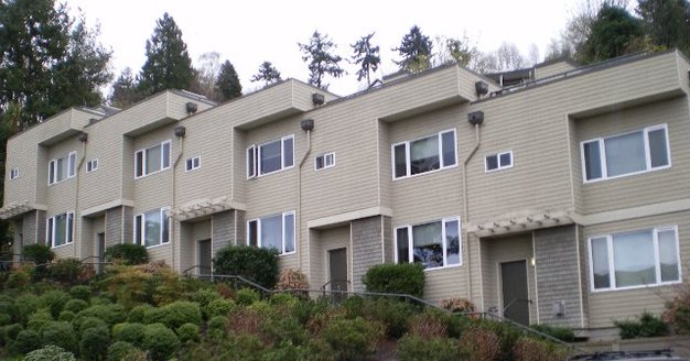 2 Bedrooms 1 Bathroom House for rent at 2440 54th Place Sw in Seattle, WA