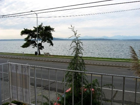 1 Bedroom 1 Bathroom House for rent at 1356 Alki Ave Sw in Seattle, WA
