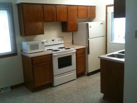 2 Bedrooms 1 Bathroom House for rent at 865 Central St in Oshkosh, WI