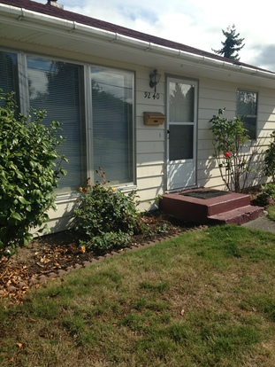 2 Bedrooms 1 Bathroom House for rent at 9240 31st Ave Sw in Seattle, WA