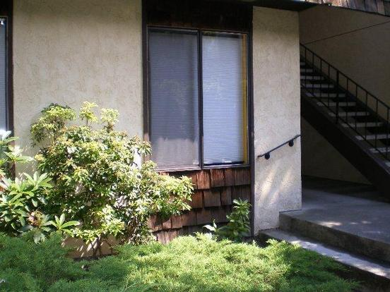 2 Bedrooms 2 Bathrooms House for rent at 8609 25th Ave Sw in Seattle, WA