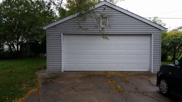 4 Bedrooms 2 Bathrooms House for rent at 1421 Walnut St in Oshkosh, WI