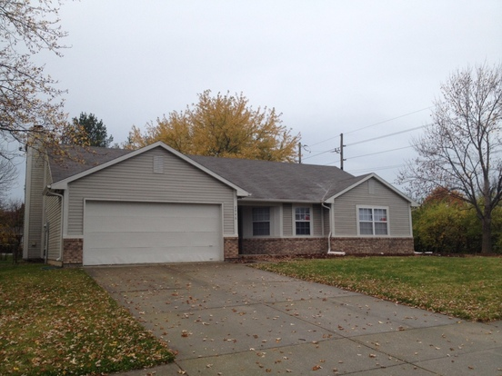 4 Bedrooms 2 Bathrooms House for rent at 2946 Greenview Way in Indianapolis, IN
