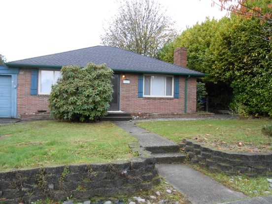 3 Bedrooms 1 Bathroom House for rent at 11515 26th Ave Sw in Seattle, WA