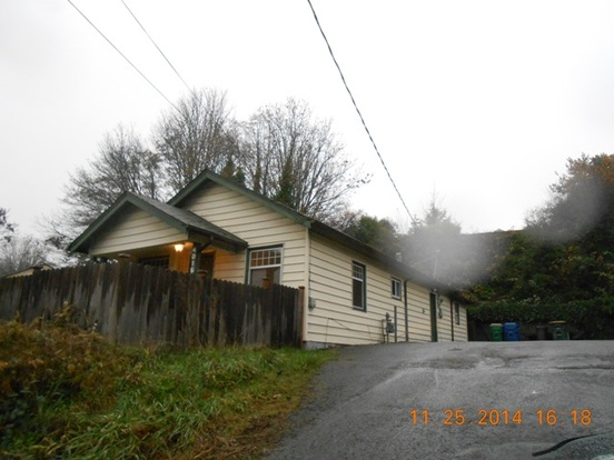3 Bedrooms 1 Bathroom House for rent at 4016 22nd Ave Sw in Seattle, WA