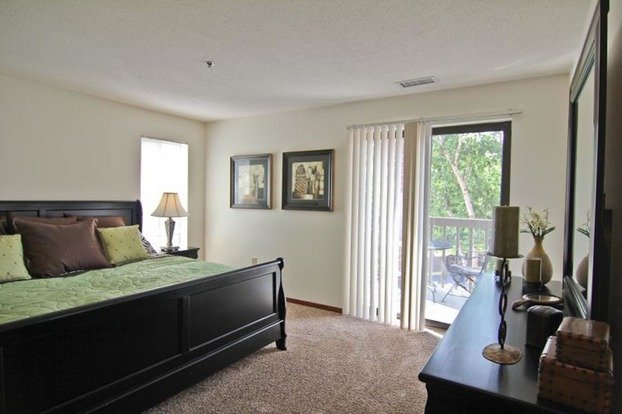 1 Bedroom 1 Bathroom House for rent at Shady Oak Rd in Eden Prairie, MN