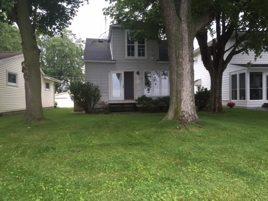 1 Bedroom 1 Bathroom House for rent at 2815 Sunset Point Lane in Oshkosh, WI
