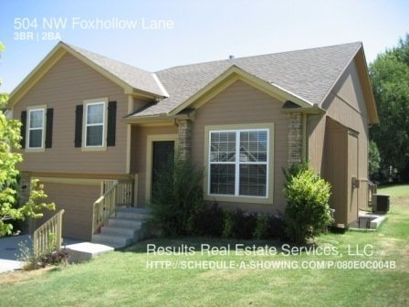 3 Bedrooms 2 Bathrooms House for rent at 504 Nw Foxhollow Lane in Blue Springs, MO