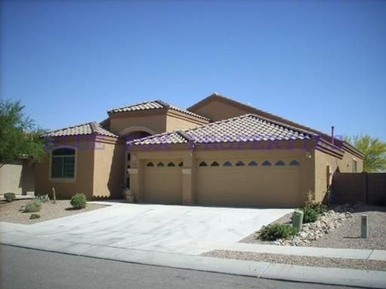 4 Bedrooms 2 Bathrooms House for rent at 7011 W. Festival Way in Tucson, AZ