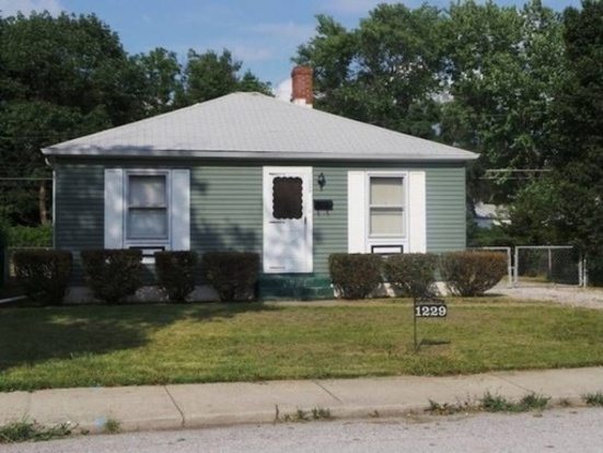 2 Bedrooms 1 Bathroom House for rent at 1229 Rosner Dr. in Indianapolis, IN