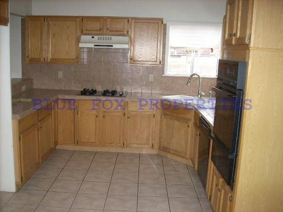 3 Bedrooms 2 Bathrooms House for rent at 1640 N. Amberbrooke Ave in Tucson, AZ