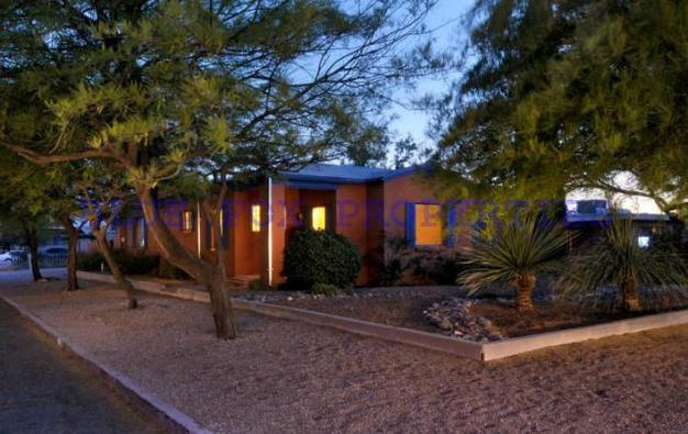 3 Bedrooms 2 Bathrooms House for rent at 1948 E 10th Street in Tucson, AZ