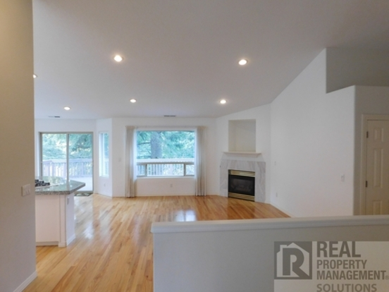 5 Bedrooms 2 Bathrooms House for rent at 13307 Sw Essex in Portland, OR