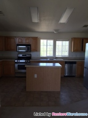 3 Bedrooms 2 Bathrooms House for rent at 9640 W Calle Cibeque in Tucson, AZ