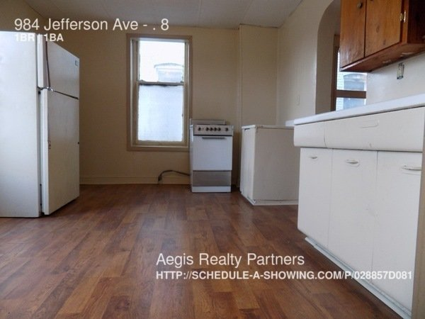 1 Bedroom 1 Bathroom Apartment for rent at 984 Jefferson Ave in Washington, PA