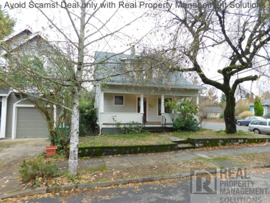3 Bedrooms 1 Bathroom House for rent at 5304 Ne 23rd Ave in Portland, OR