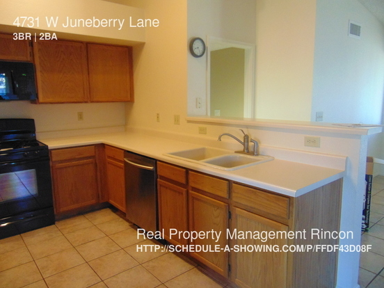 3 Bedrooms 2 Bathrooms House for rent at 4731 W Juneberry Lane in Tucson, AZ