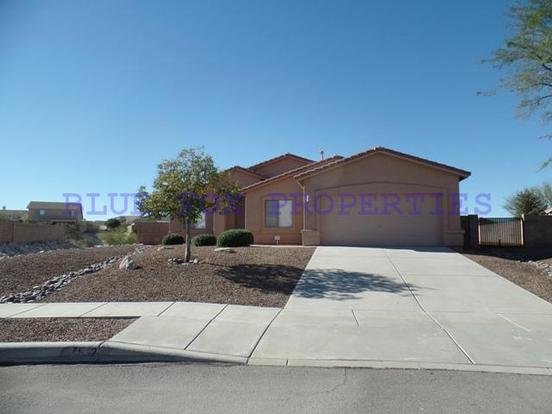 3 Bedrooms 2 Bathrooms House for rent at 7542 S. Dunbar Court in Tucson, AZ