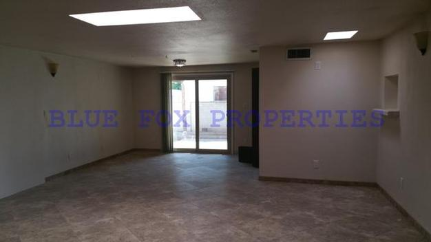 3 Bedrooms 2 Bathrooms House for rent at 924 W. Simmons Street in Tucson, AZ