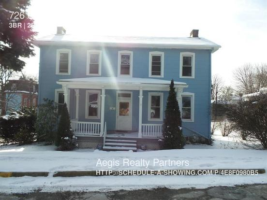 3 Bedrooms 1 Bathroom House for rent at 726 Orchard Ave in Pittsburgh, PA