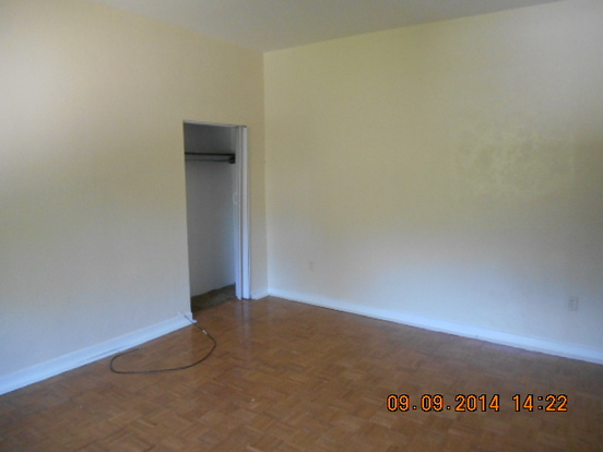 3 Bedrooms 1 Bathroom House for rent at 112 Freemont in Pittsburgh, PA