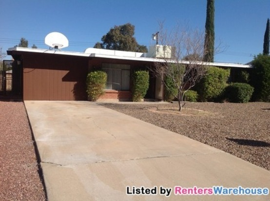 3 Bedrooms 2 Bathrooms House for rent at 6325 E Calle Dened in Tucson, AZ