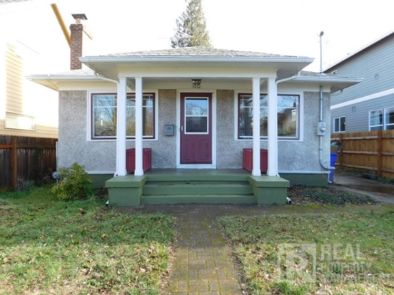 2 Bedrooms 1 Bathroom House for rent at 7616 N Omaha Ave in Portland, OR