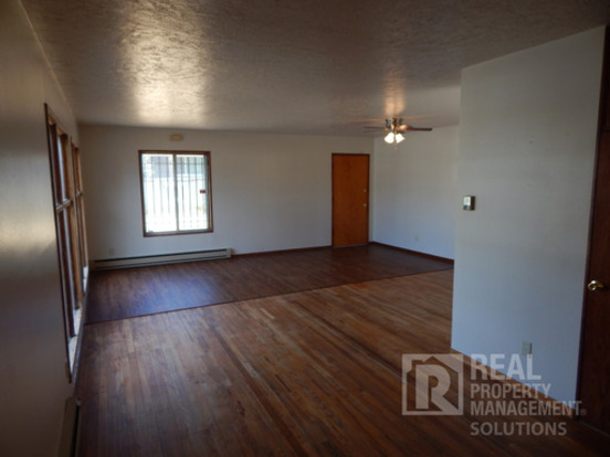 2 Bedrooms 1 Bathroom House for rent at 4504 N Haight Ave in Portland, OR