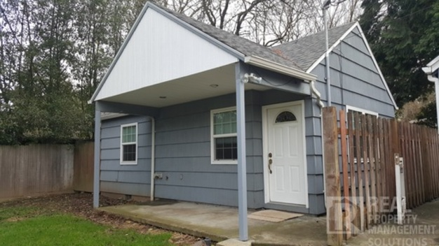 1 Bedroom 1 Bathroom House for rent at 3602 Ne 105th Ave in Portland, OR