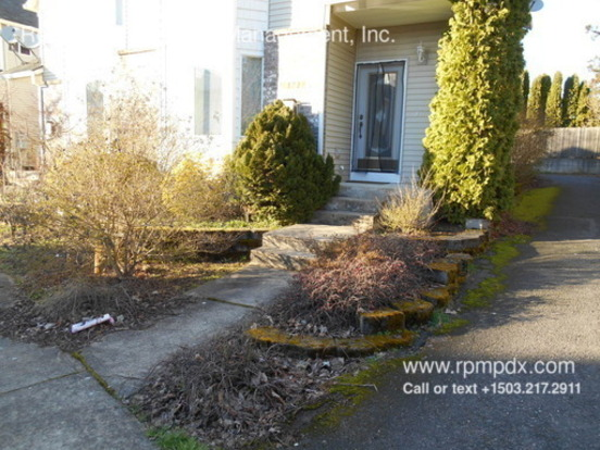 2 Bedrooms 2 Bathrooms House for rent at 13721 Se Steele Street in Portland, OR