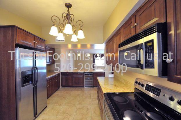 4 Bedrooms 3 Bathrooms House for rent at 6401 Camino Esplendora in Tucson, AZ