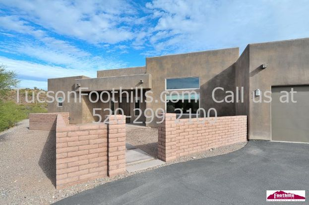 4 Bedrooms 3 Bathrooms House for rent at 11325 Calle Catalina in Tucson, AZ