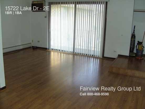1 Bedroom 1 Bathroom House for rent at 15722 Lake Dr in Oak Forest, IL