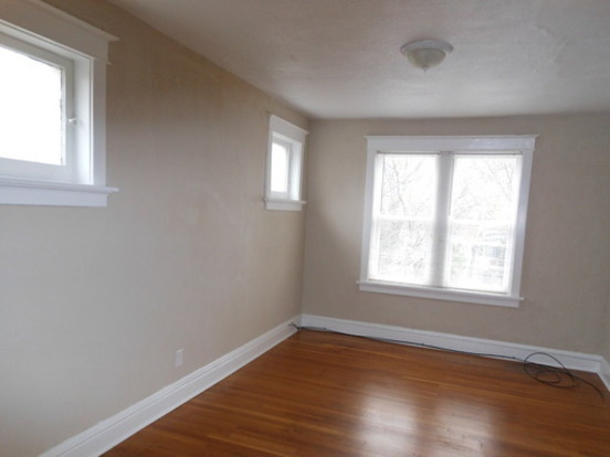 3 Bedrooms 2 Bathrooms House for rent at 2051 Maury 3 N in St Louis, MO
