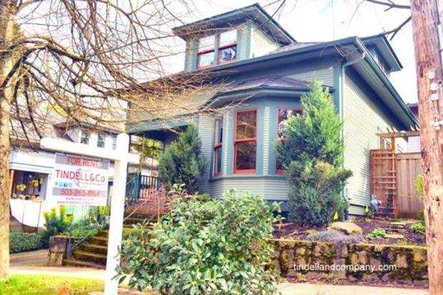 3 Bedrooms 2 Bathrooms House for rent at 2828 Se 29th Ave in Portland, OR