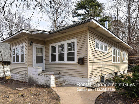 4 Bedrooms 2 Bathrooms House for rent at 2827 Taylor St Ne in Minneapolis, MN