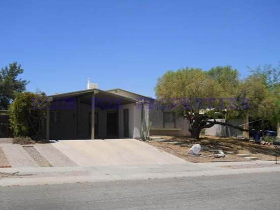 3 Bedrooms 2 Bathrooms House for rent at 2800 W. Desert Crest in Tucson, AZ