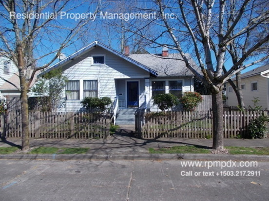 4 Bedrooms 1 Bathroom House for rent at 235 Ne Buffalo Street in Portland, OR