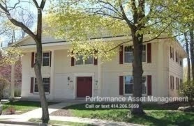 2 Bedrooms 1 Bathroom House for rent at 3057 E Newport Ct. in Milwaukee, WI